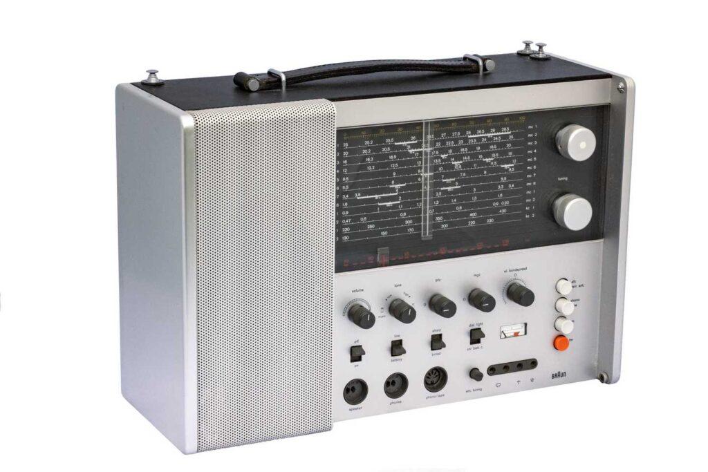 Braun TC1000CD portable radio from late 1960s - photo by Jack Weber copyright Medium Wave Circle